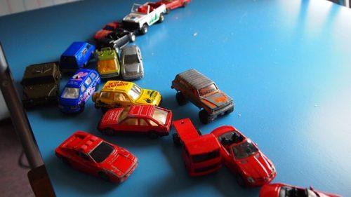 車のおもちゃたち
