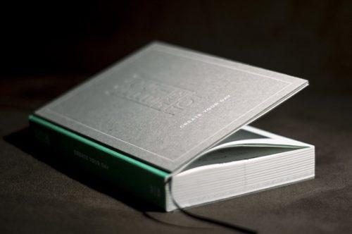 影のある本